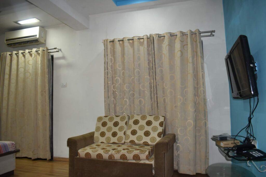 inroom sofa
